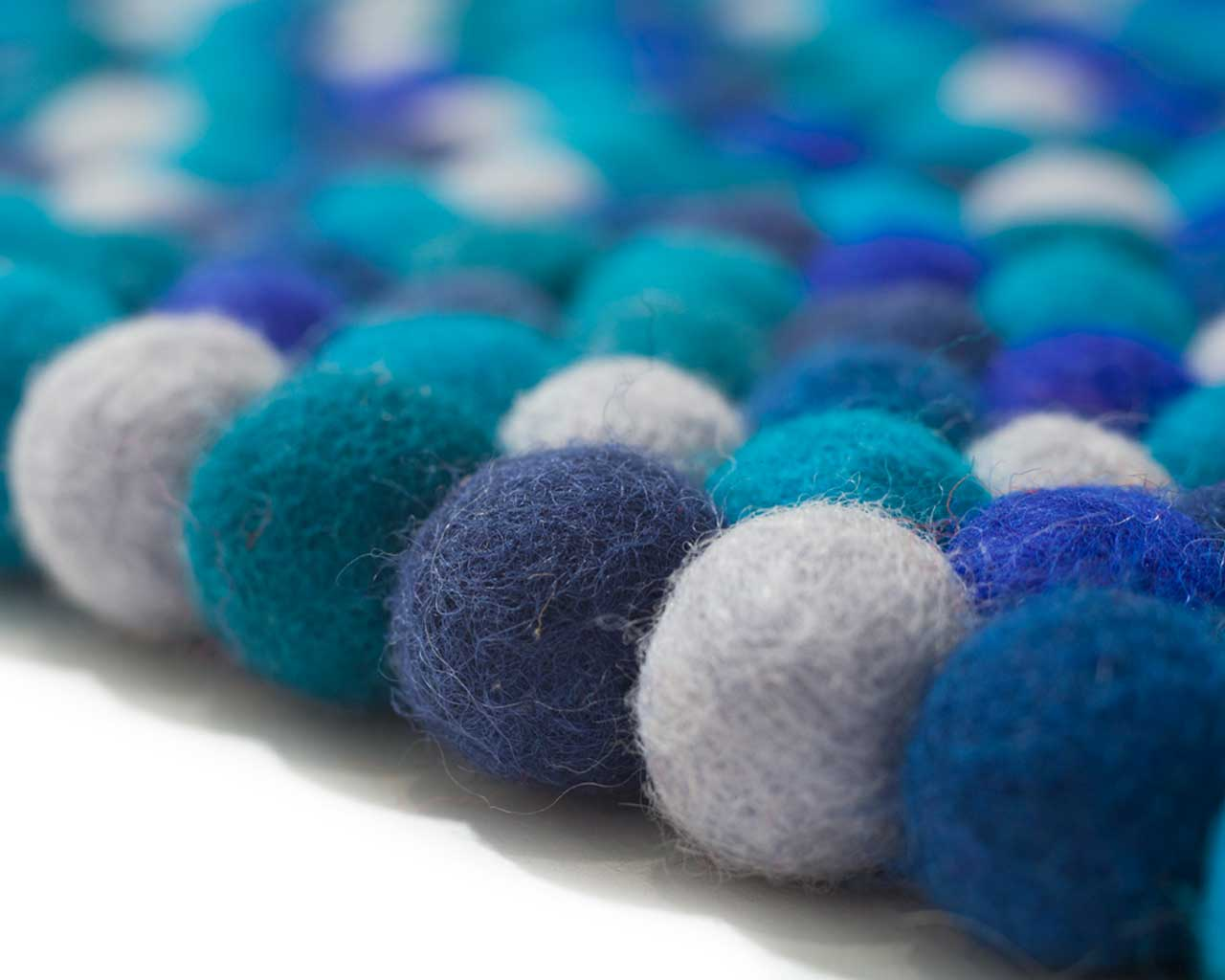how to make felt ball rug carpet