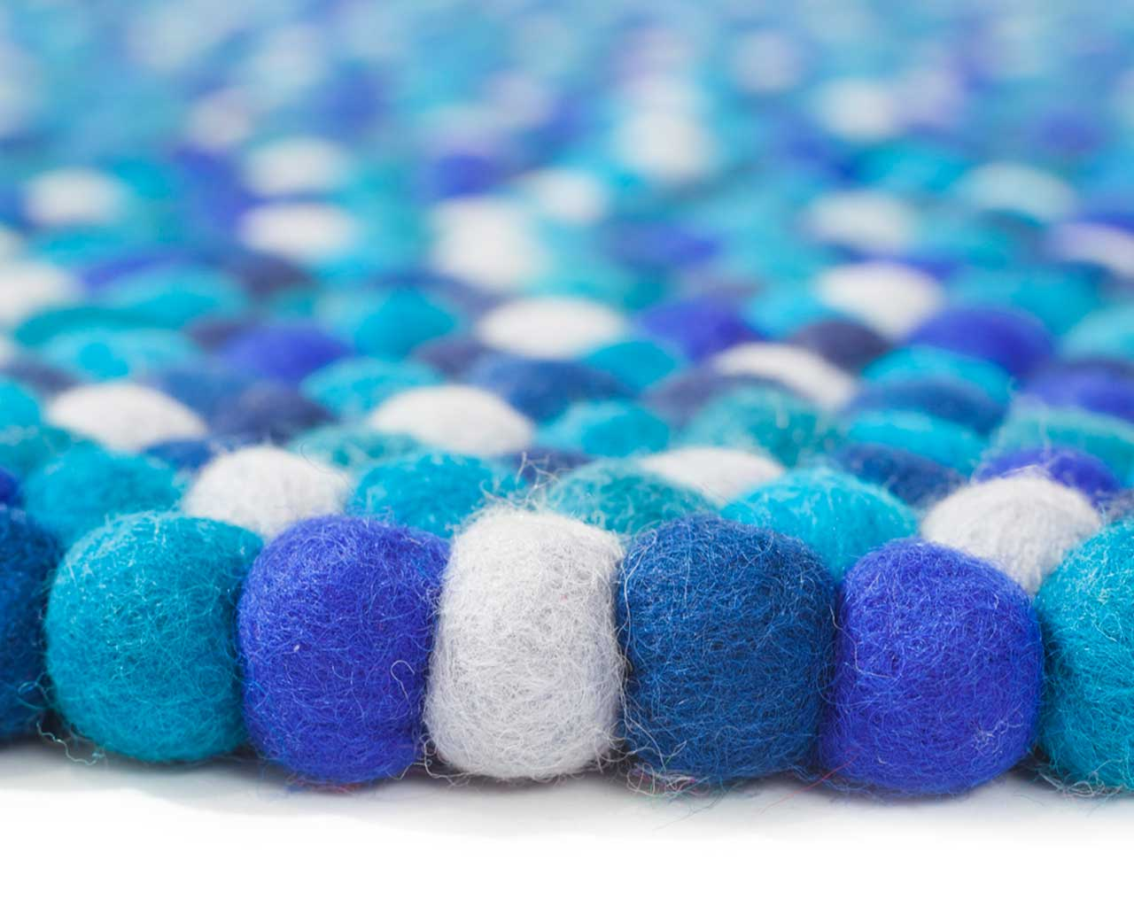making a felt balls carpet