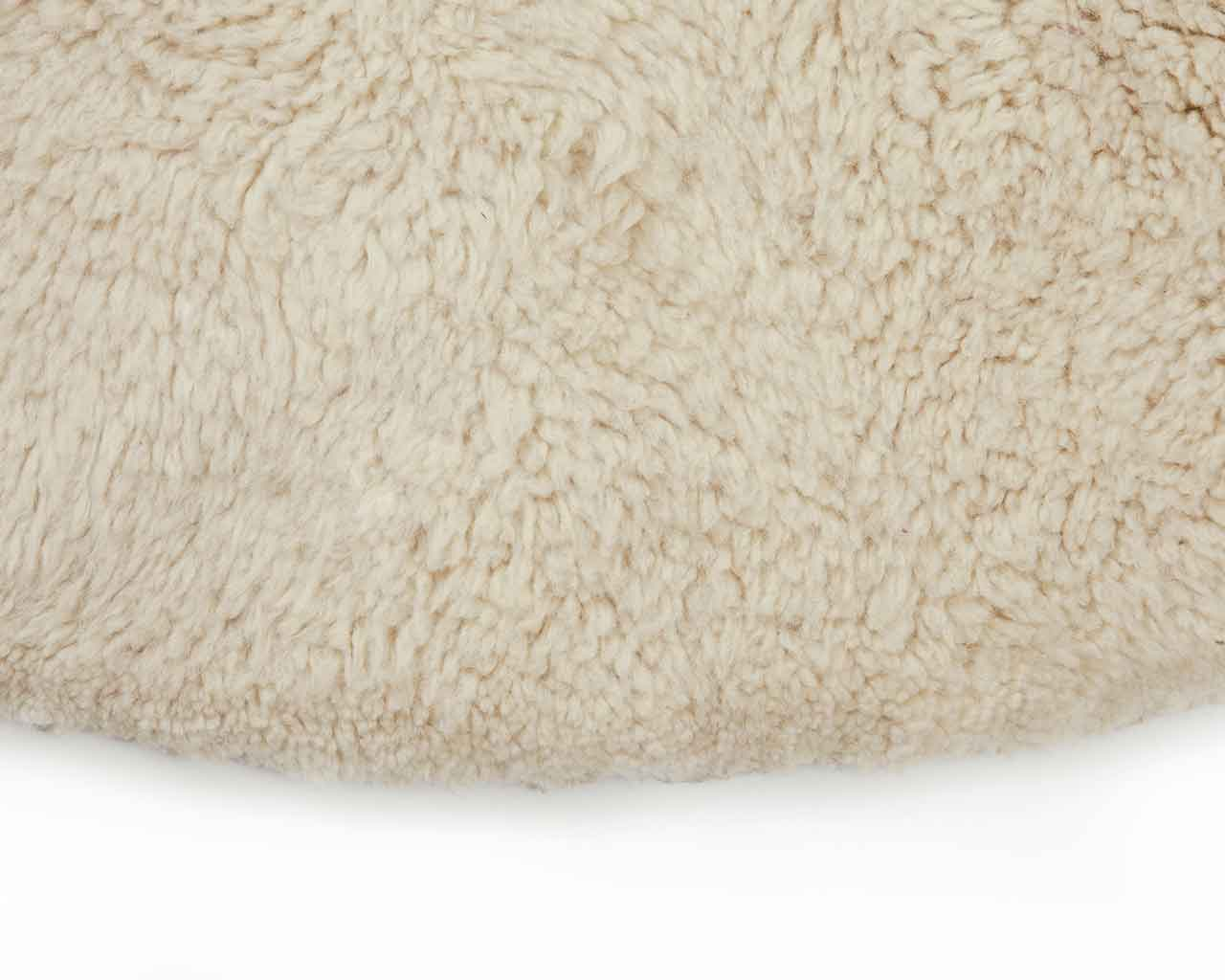 plain white round woollen carpet from morocco 1